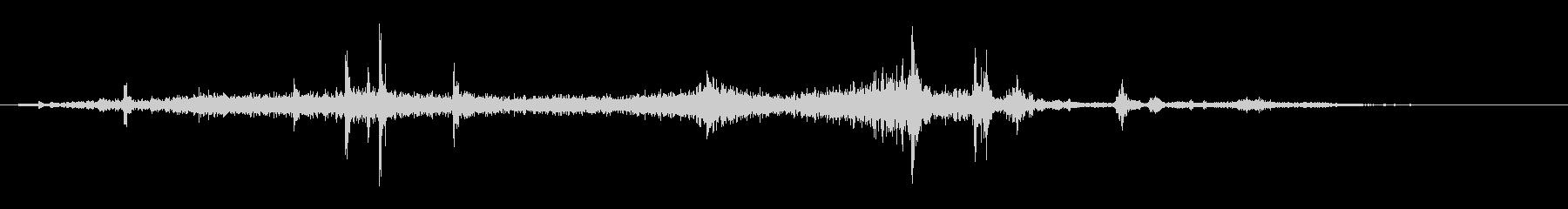 薄い紙をめくる効果音の未再生の波形