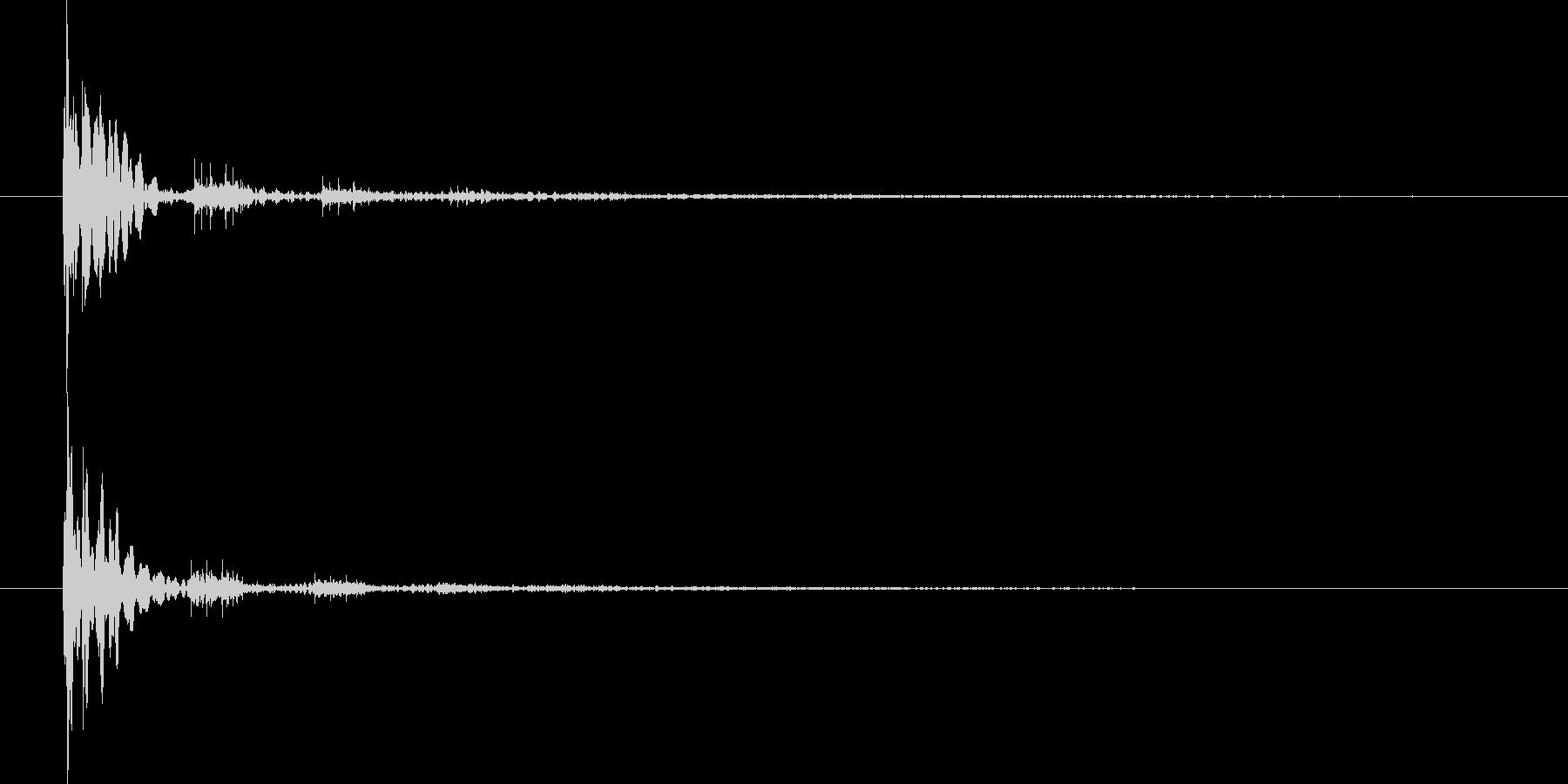 バッァッァ(衝撃波)の未再生の波形