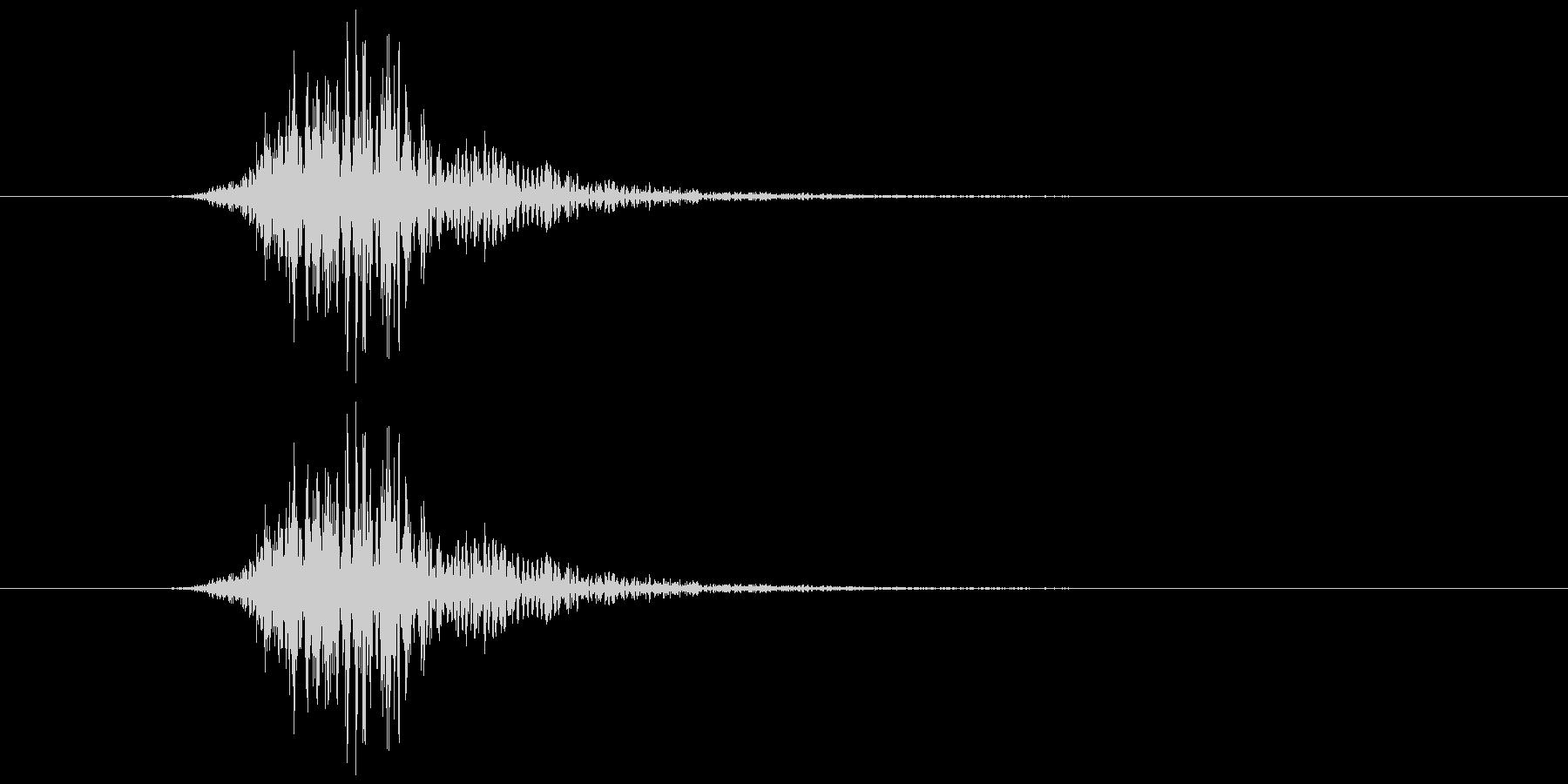 ブオンッ(空を切る音)の未再生の波形