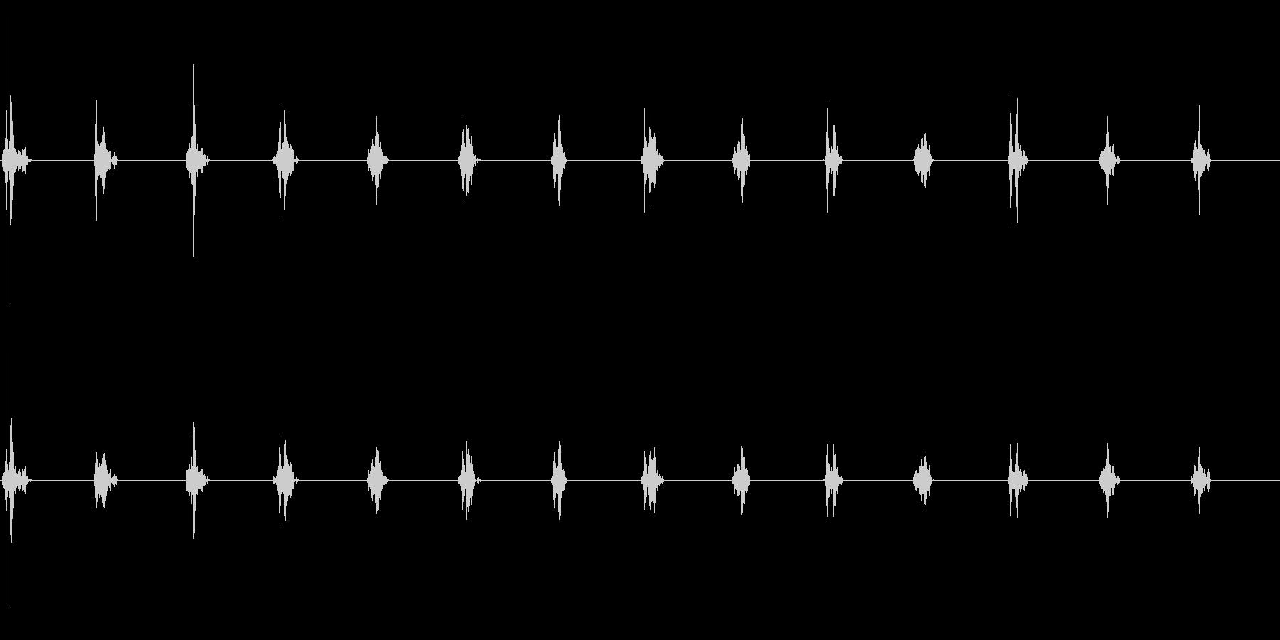 時計の針がカチカチ(木製時計)の未再生の波形