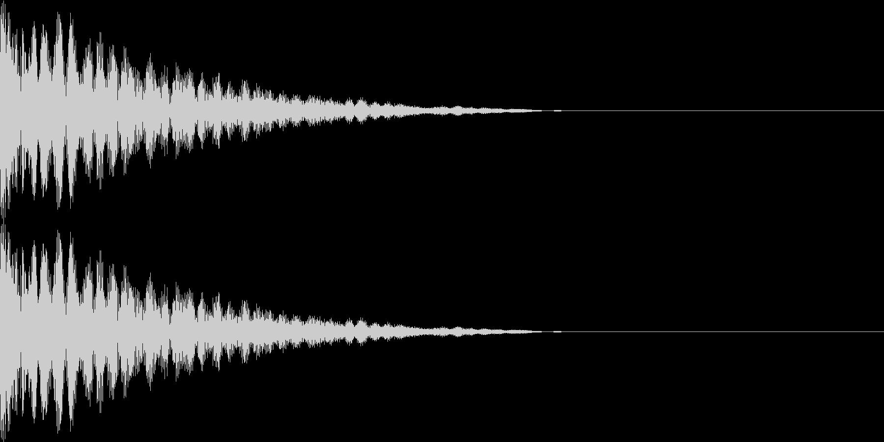 キン(金属のぶつかる音)の未再生の波形