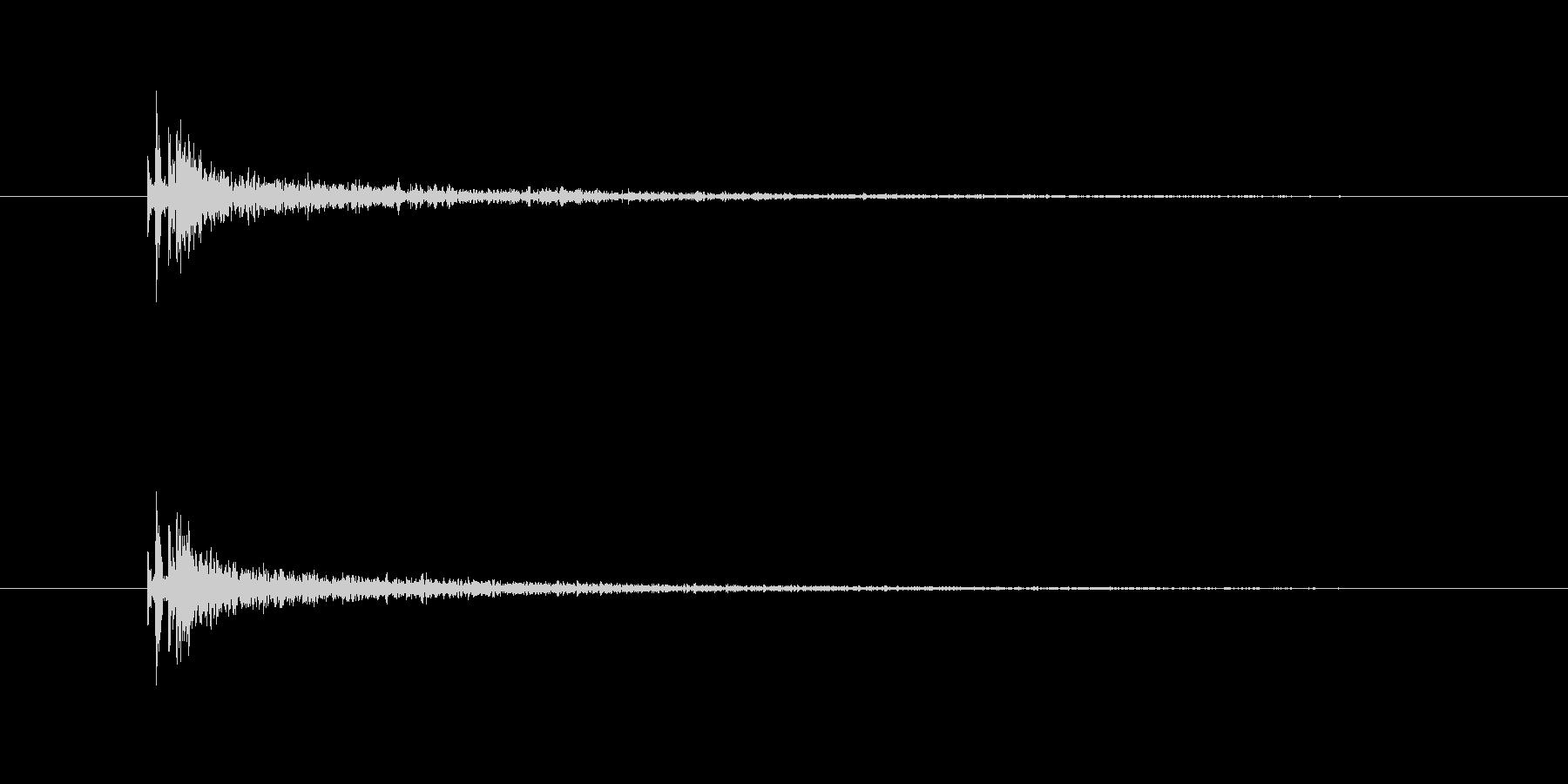 銃声(残響長め)の未再生の波形