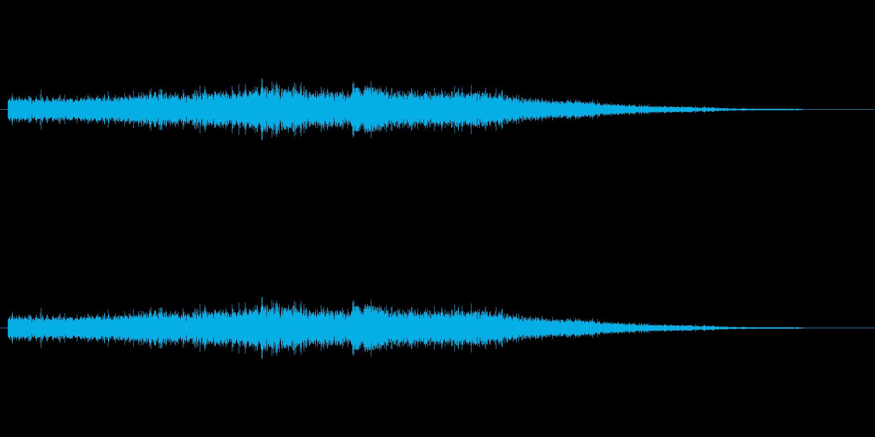 ウウウーン(バイクが走り去る、エンジン)の再生済みの波形