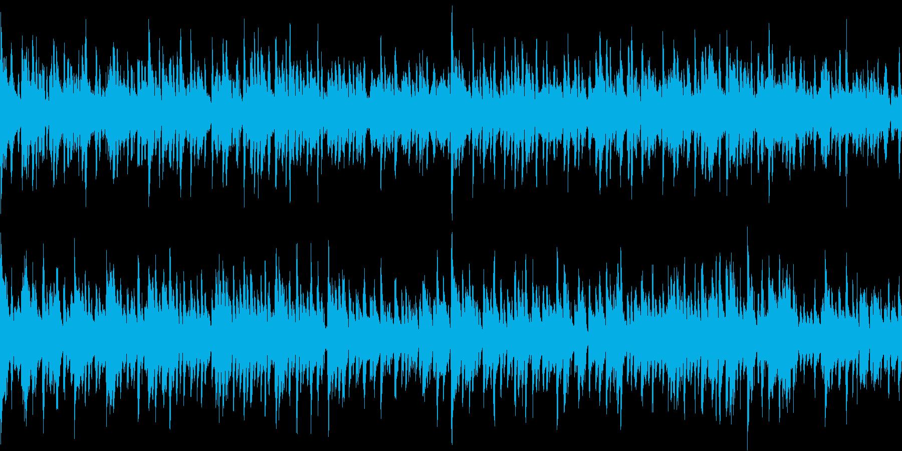 クラップを基調とし、変奏させたテクノの再生済みの波形