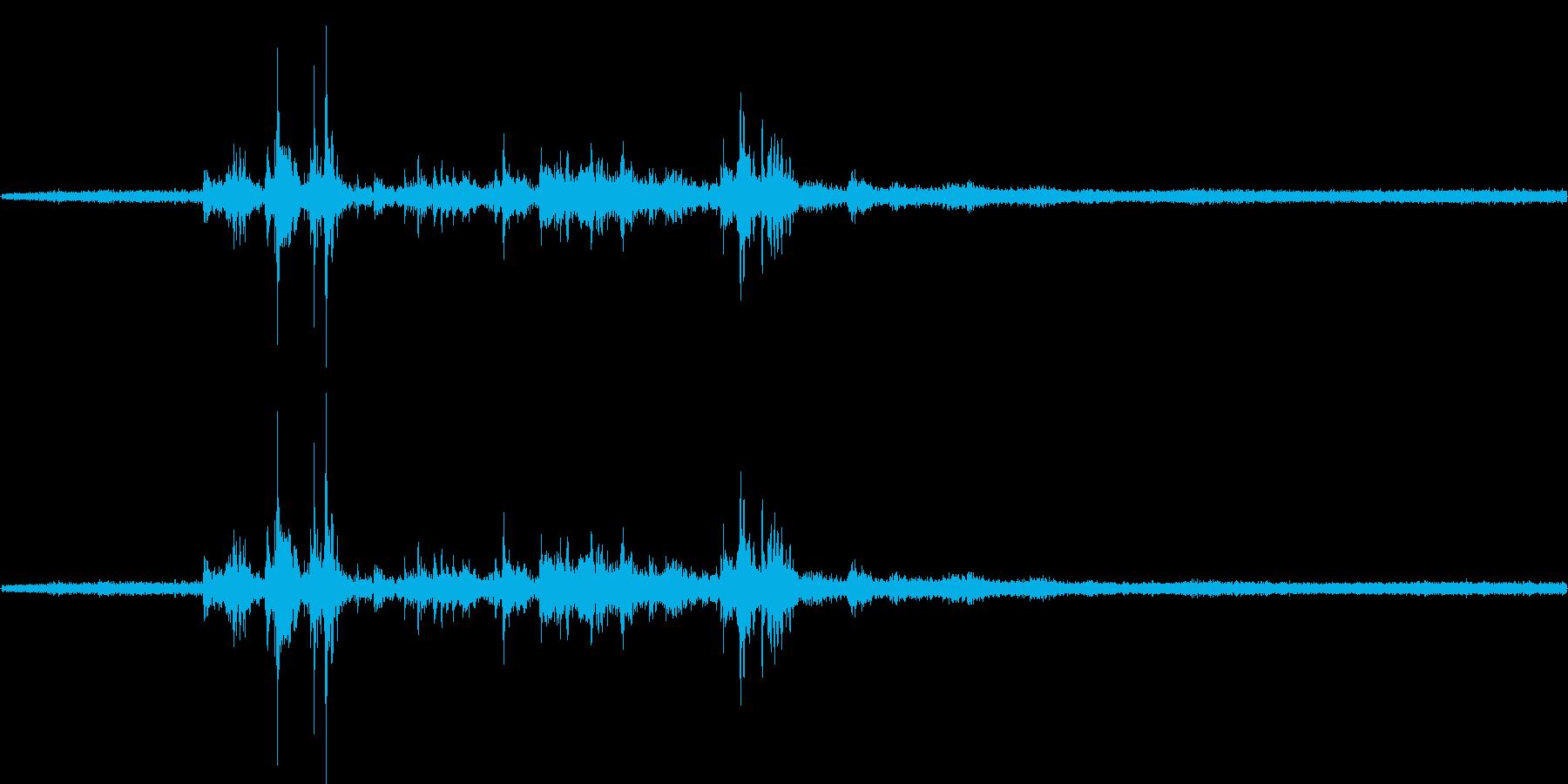 【生音】雷雨5 - 雨と雷と通行音 「…の再生済みの波形