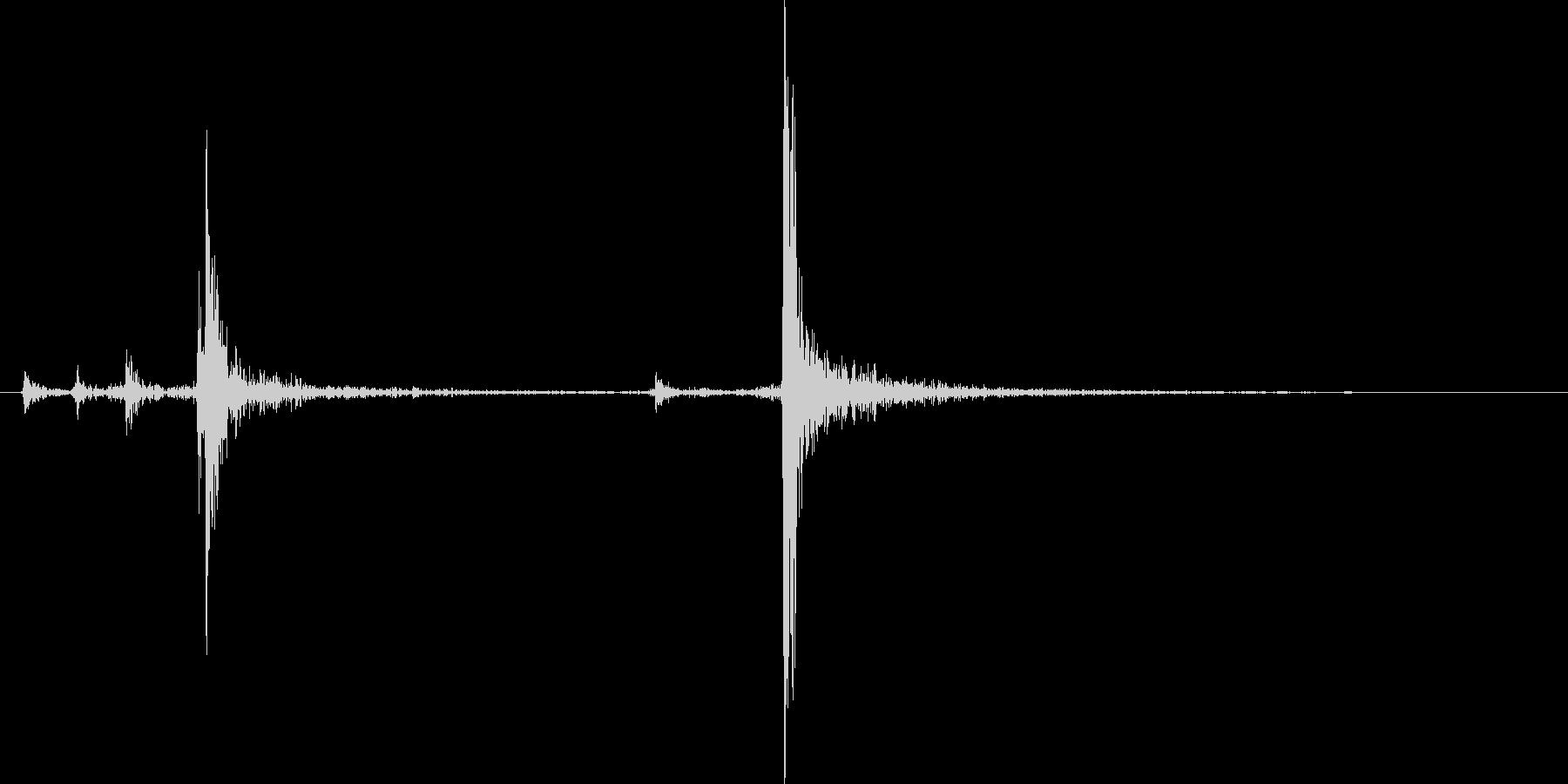 カチャ(懐中電灯のスイッチなど)の未再生の波形