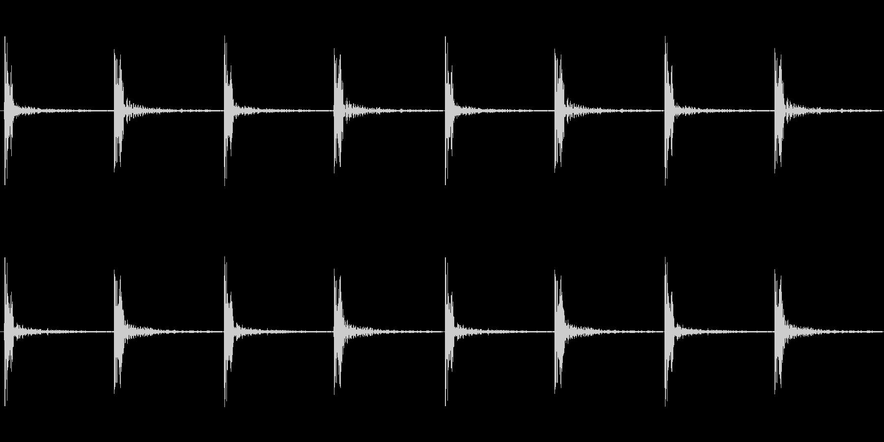 足音 ロング版 重量感あるコミカルな足音の未再生の波形