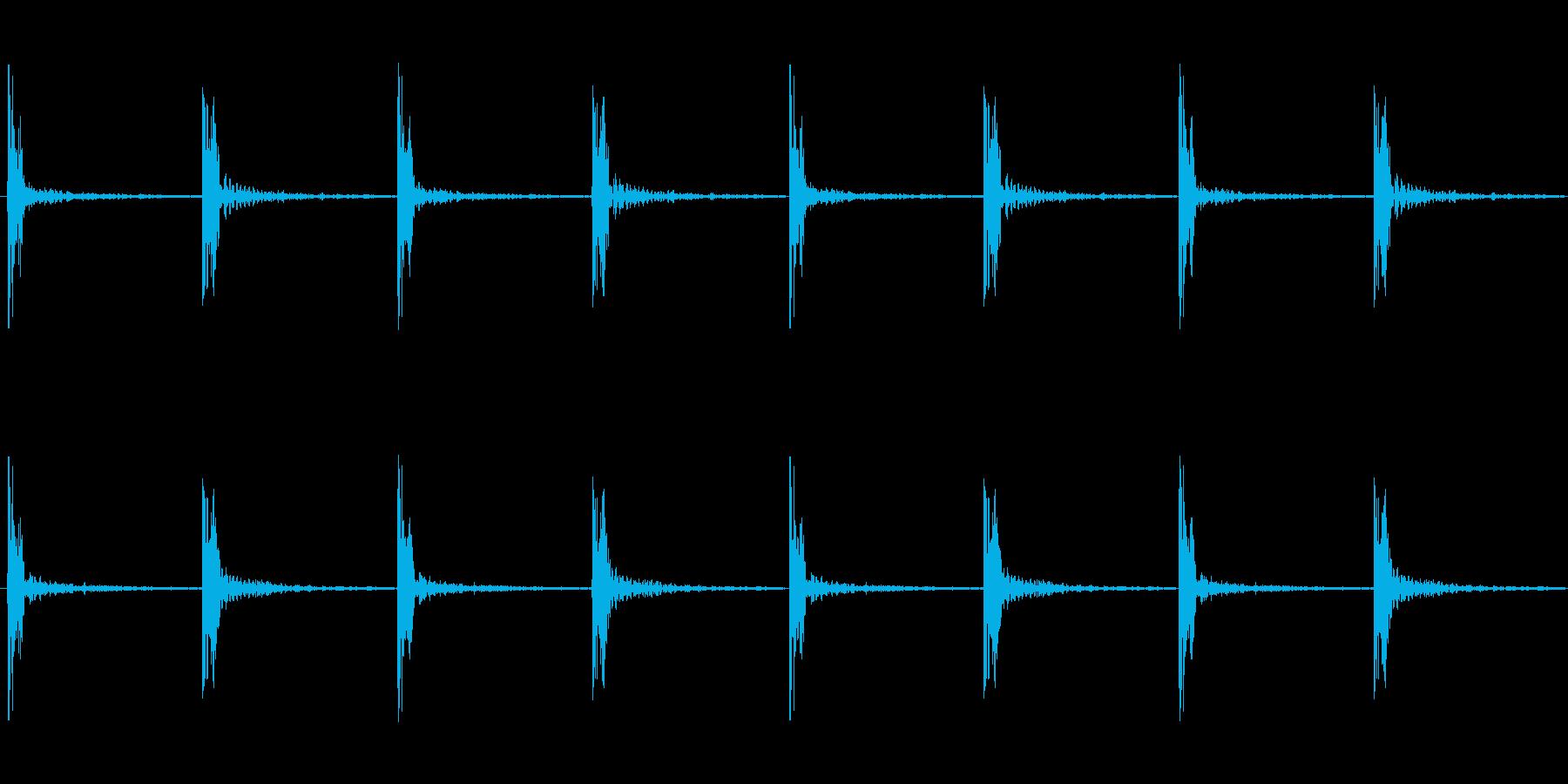 足音 ロング版 重量感あるコミカルな足音の再生済みの波形