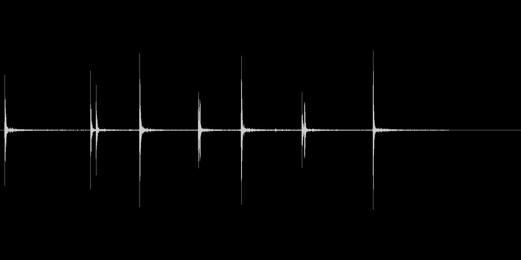 オルゴールのネジを巻くの未再生の波形