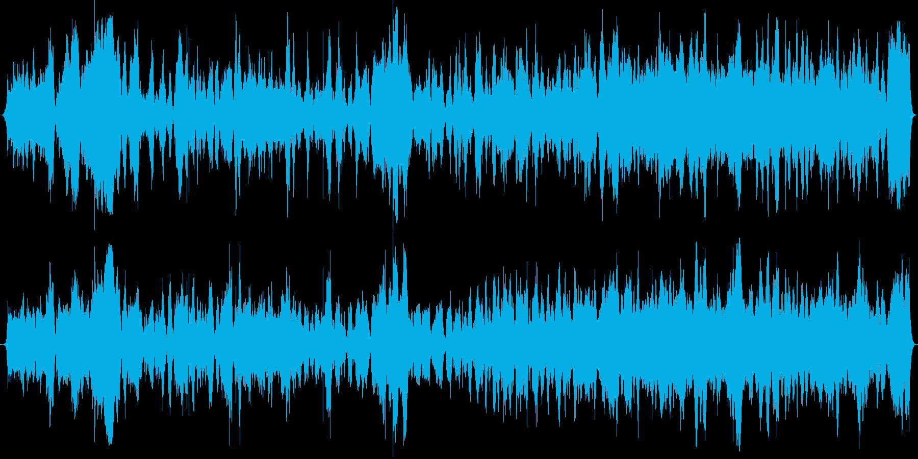 ふわっと広がりと緊張感のある幻想的な曲の再生済みの波形