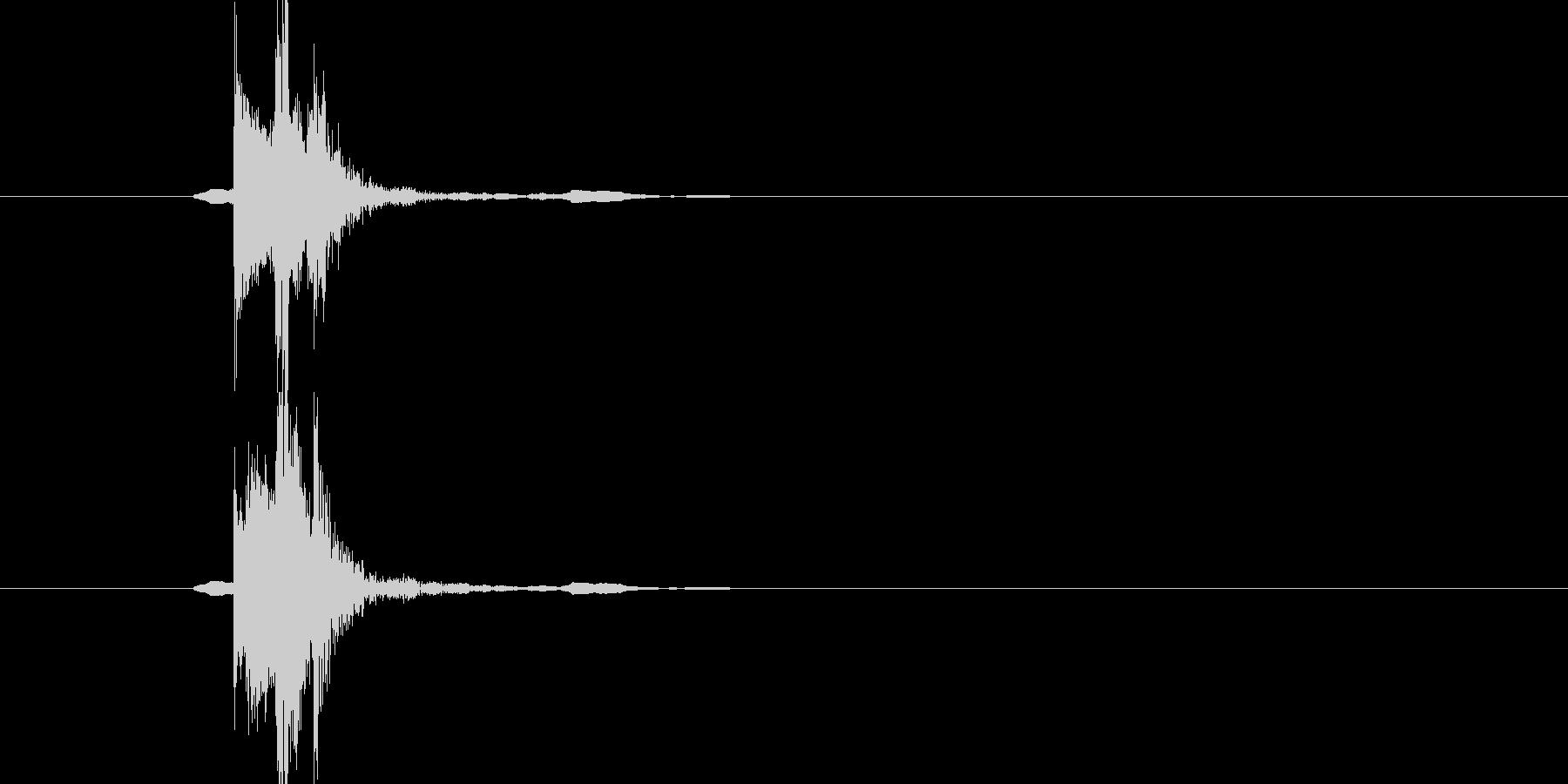 刀を構える(チャキッ)の未再生の波形