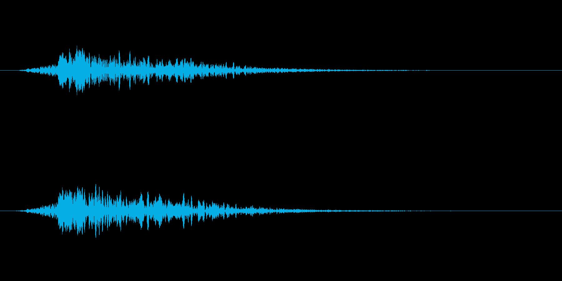 寒いギャグの後のヒューっていう風の音の再生済みの波形