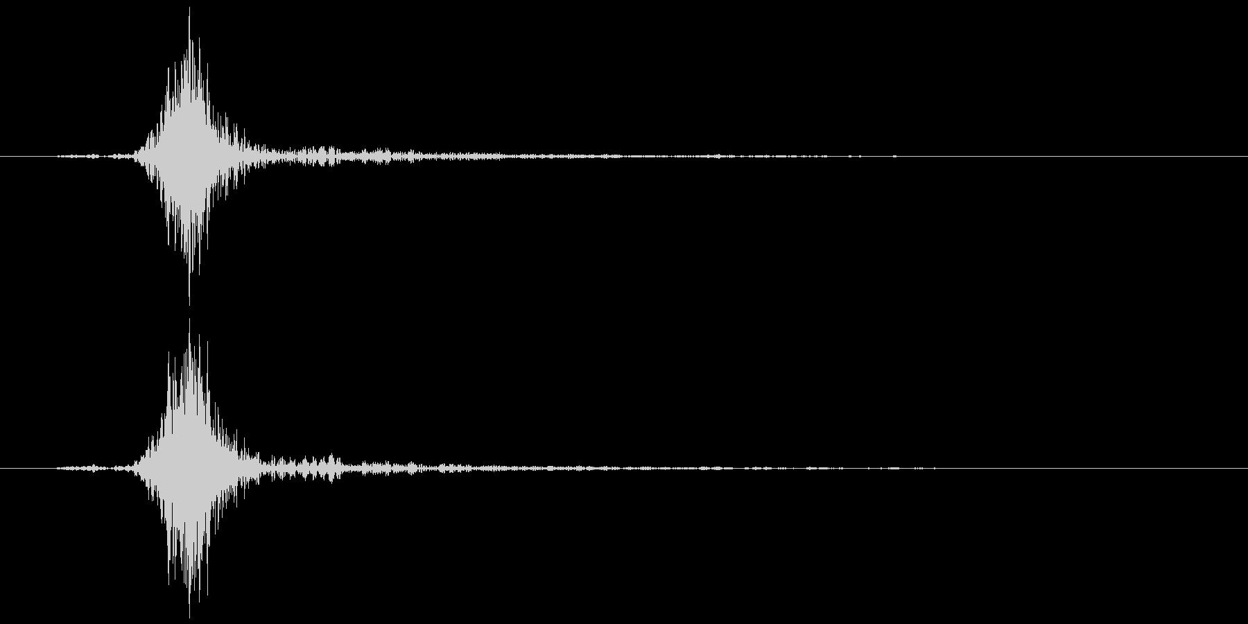 コンセント 抜く、挿す ズッ… 高め余韻の未再生の波形
