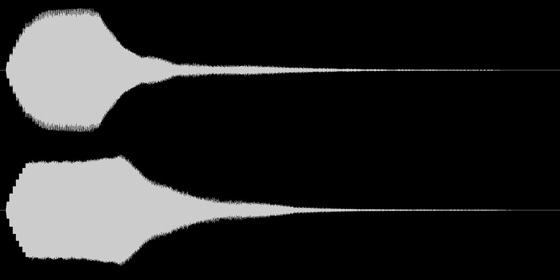 キーンという短い金属音の未再生の波形
