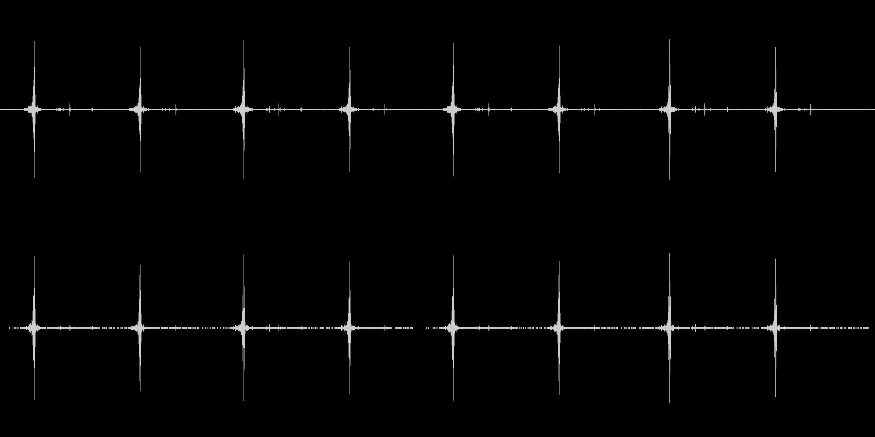 cuttingのサクサクが8回続きます。の未再生の波形