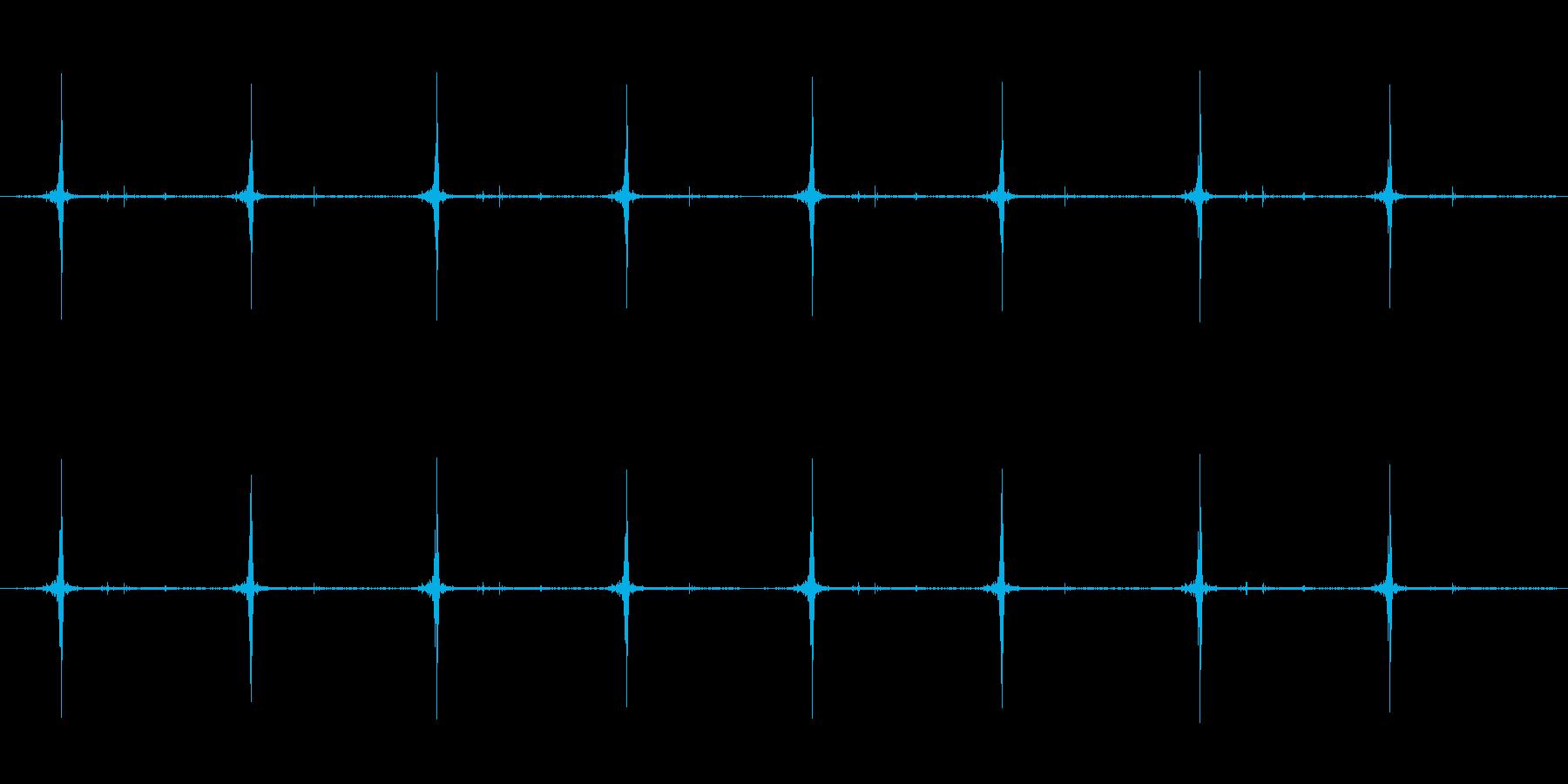 cuttingのサクサクが8回続きます。の再生済みの波形