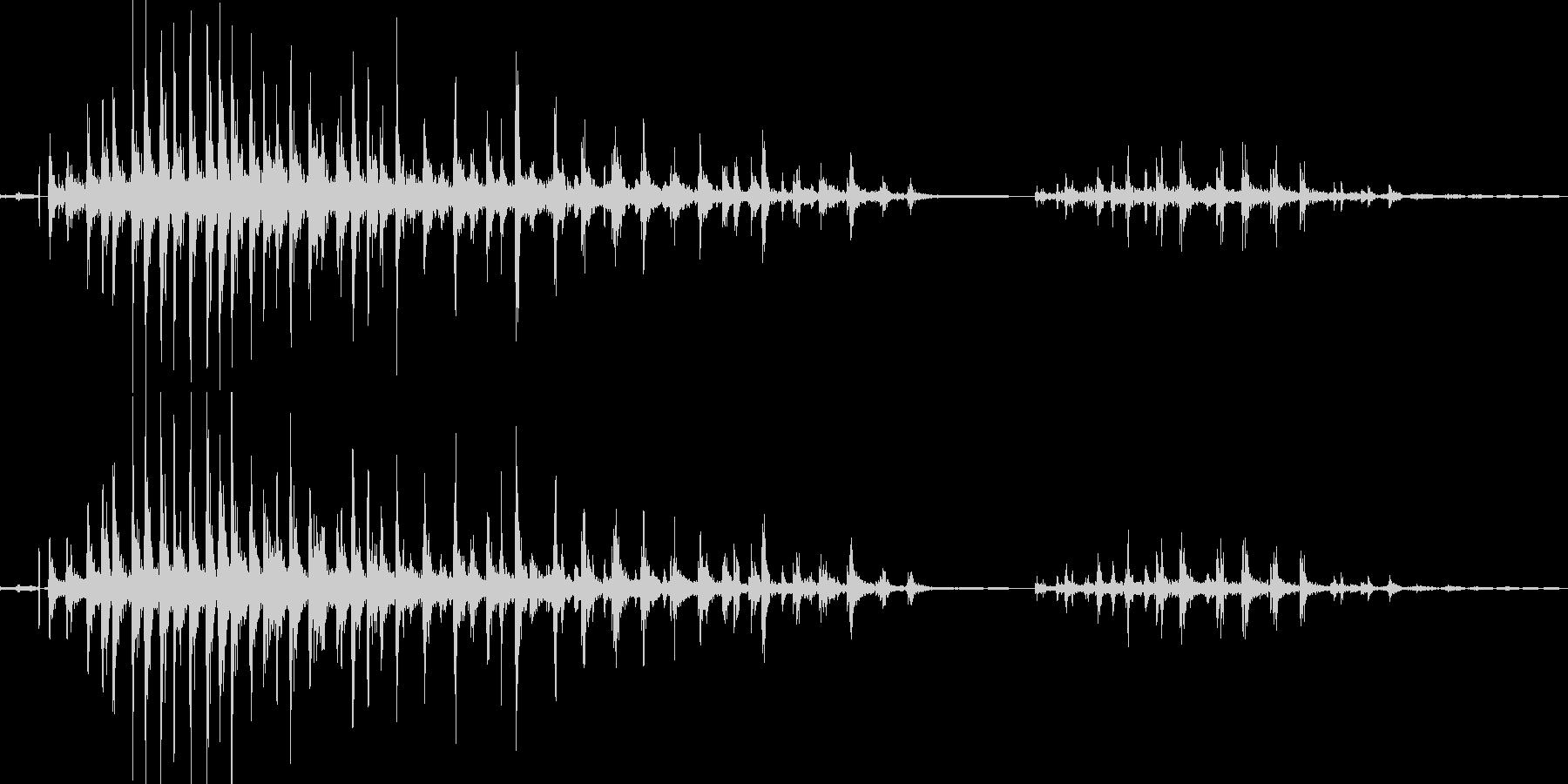 骸骨戦士の骨の音(カタカタと軽い音)の未再生の波形