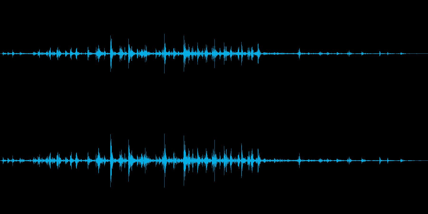 力強く握るような音の再生済みの波形