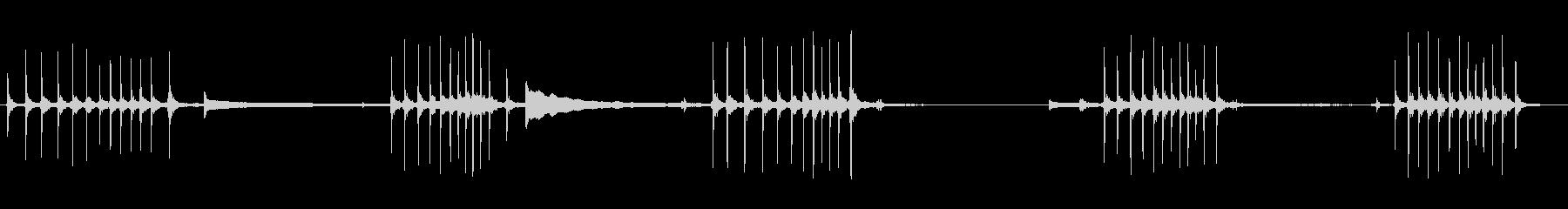 オルゴールの巻く音の未再生の波形
