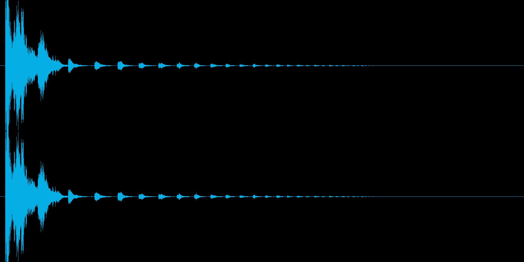 カチャン(コップの音、乾杯、落下、物音)の再生済みの波形