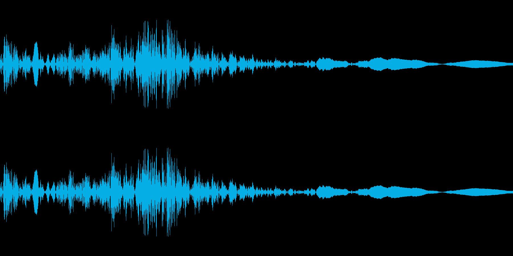 ドアノブをガチャっとする音の再生済みの波形