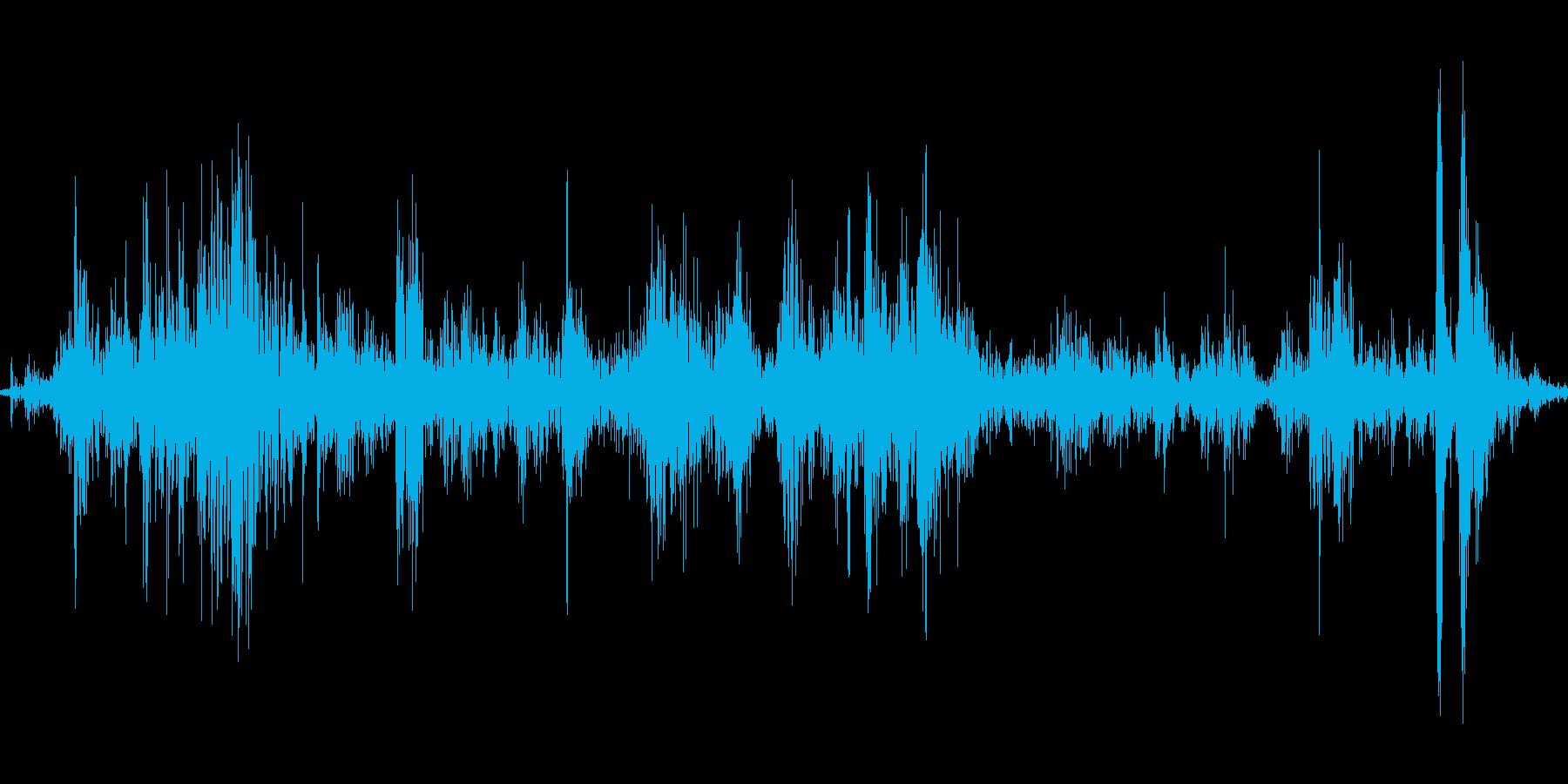 新聞紙をくしゃくしゃにする音Bの再生済みの波形