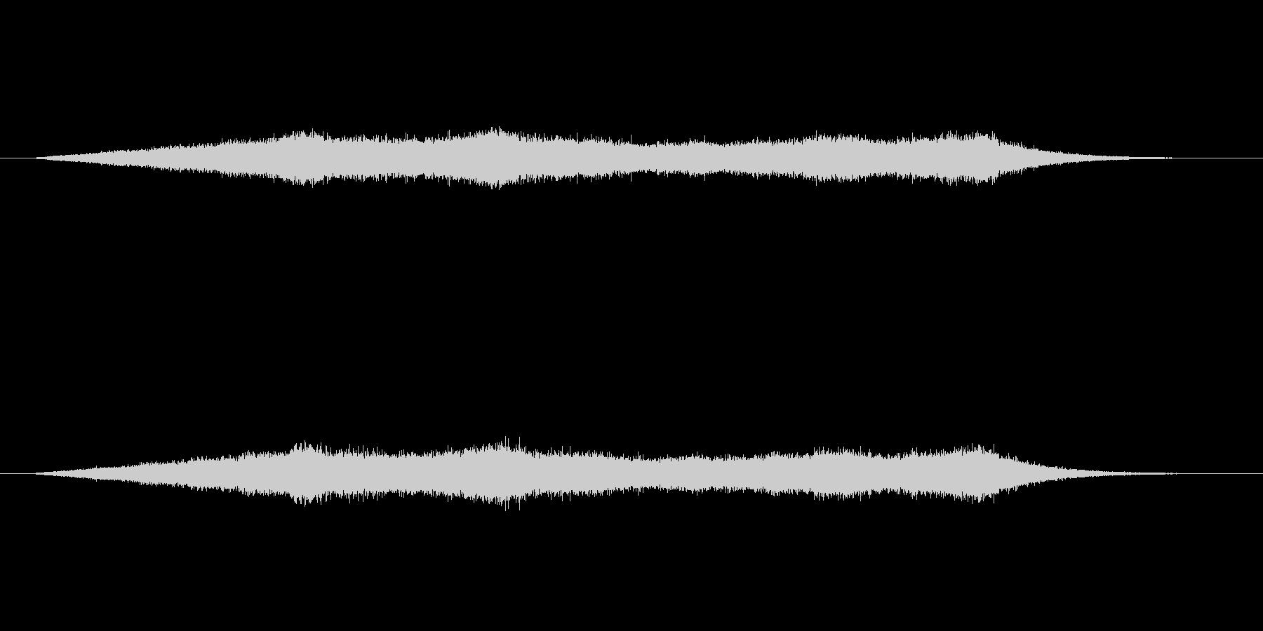 穏やかな波の音の未再生の波形