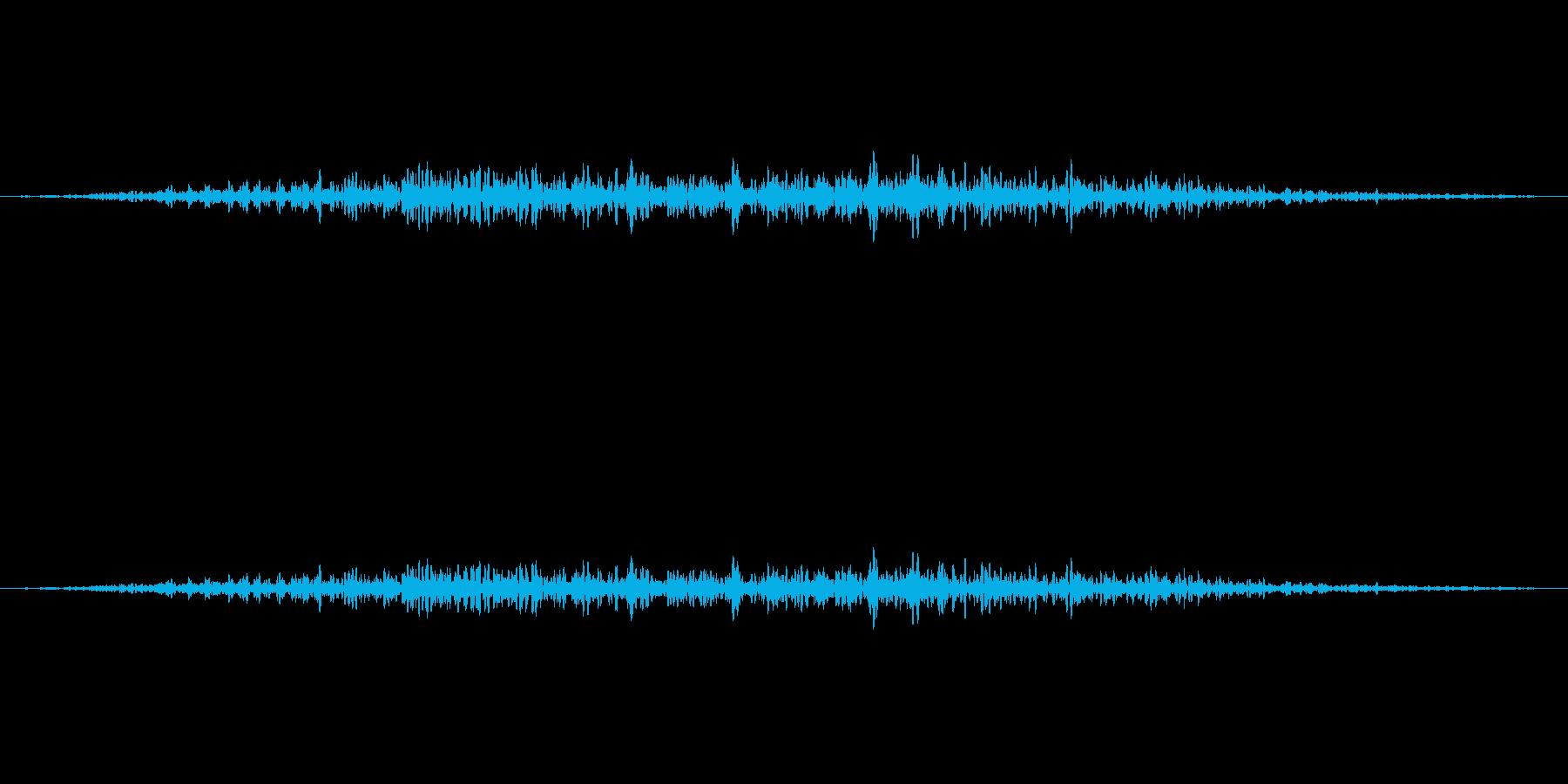 新幹線が通るシャーという音の再生済みの波形