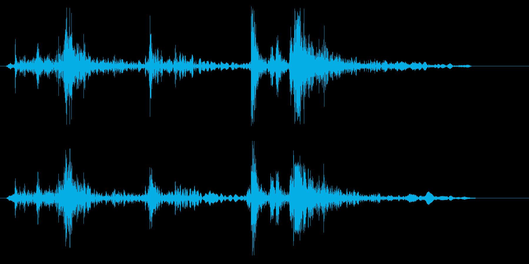 ガラッバタンという効果音の再生済みの波形