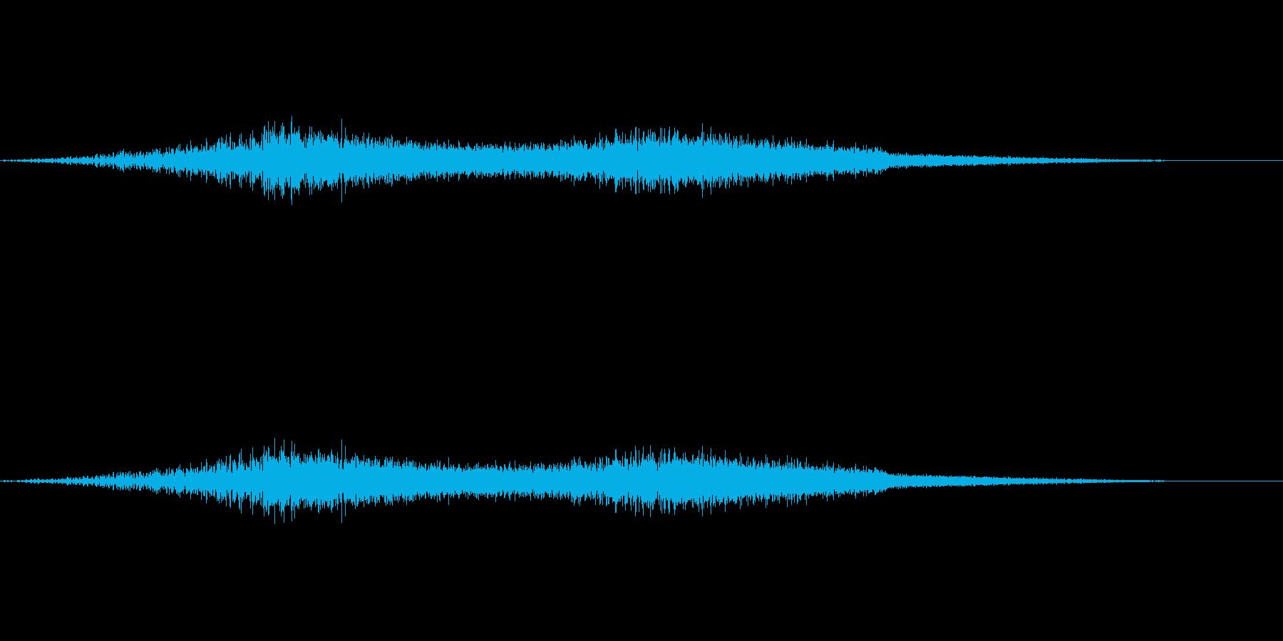 機械的な風の音(EDMなどにも効果的)の再生済みの波形