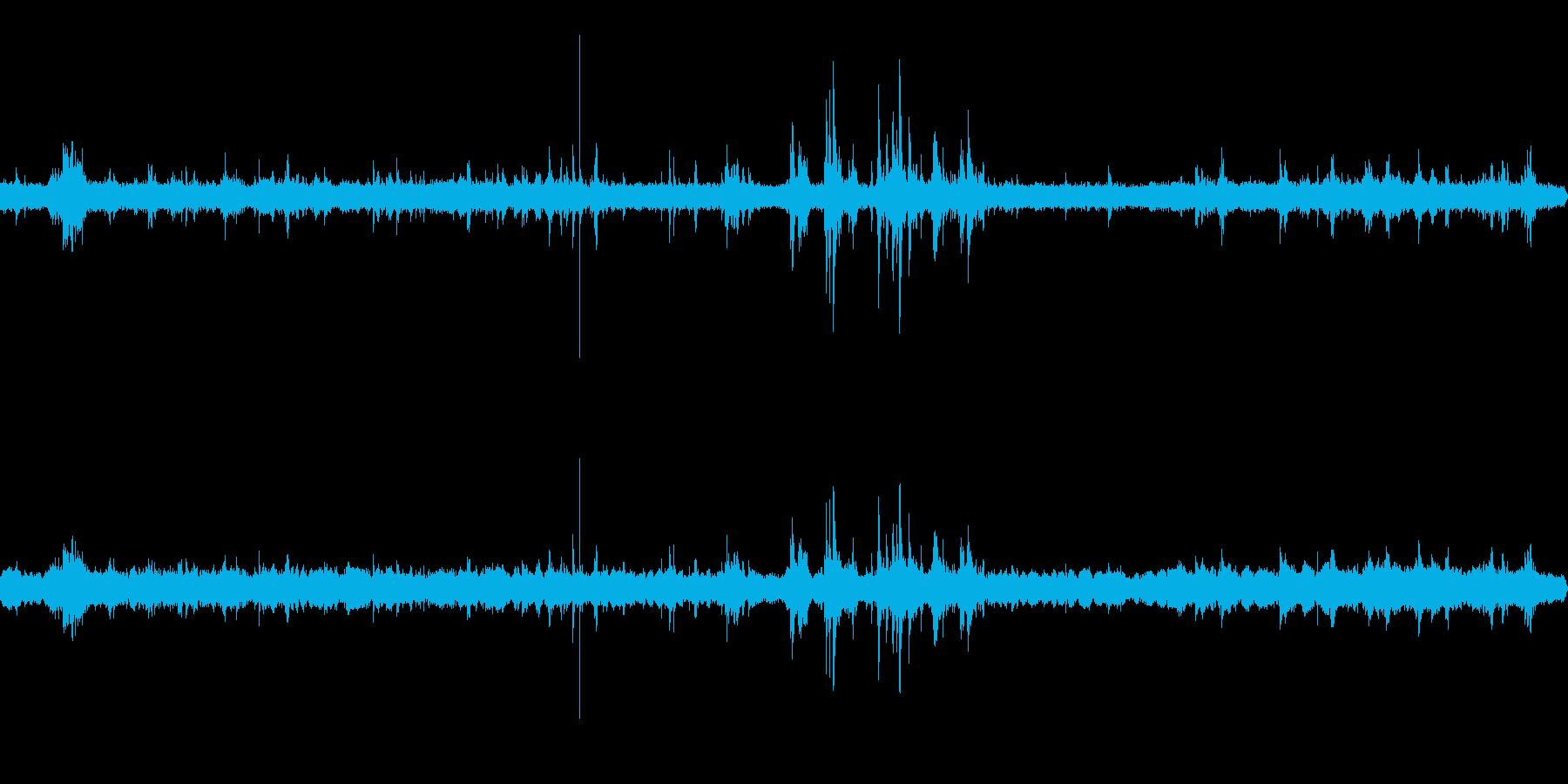 解体工事(少し遠め) 重機の音などの再生済みの波形