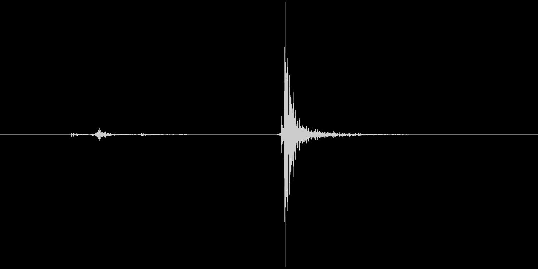 カチャン(鍵、ロック、開ける)の未再生の波形