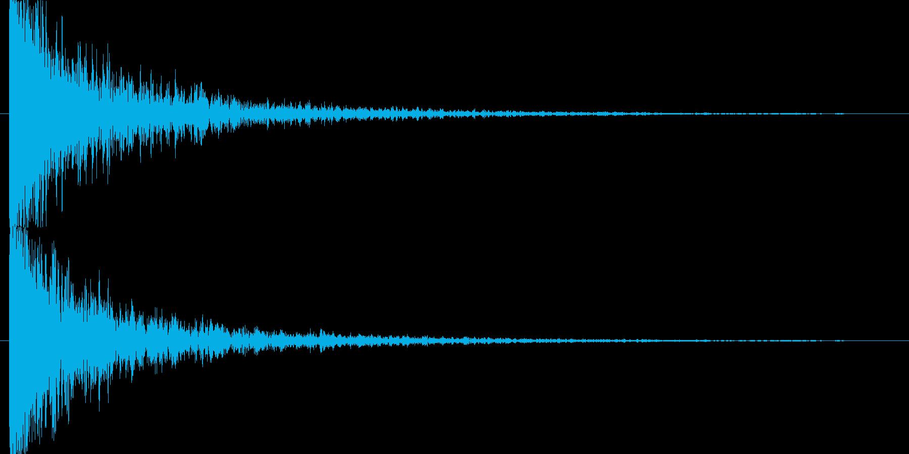裂けて破裂した音の再生済みの波形