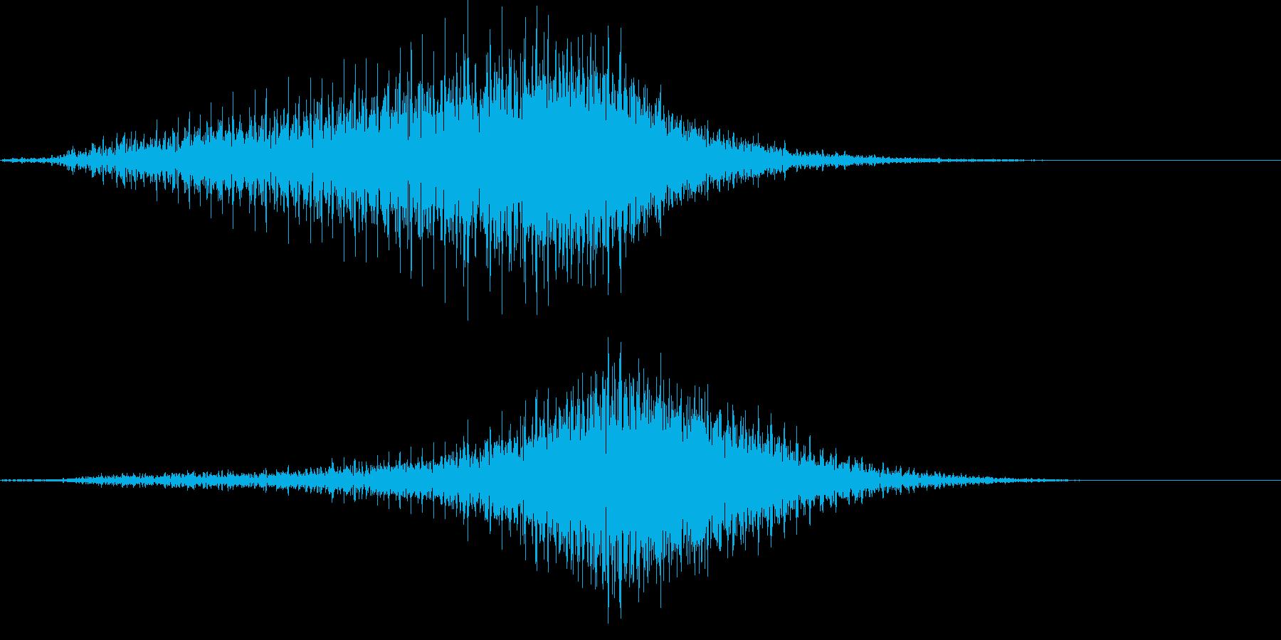 【輸送機】ブルブル,バラバラ 左から右の再生済みの波形