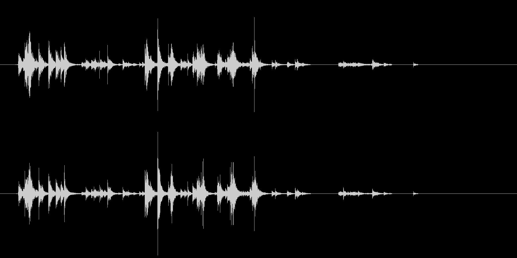アルミホイルを触る音の未再生の波形
