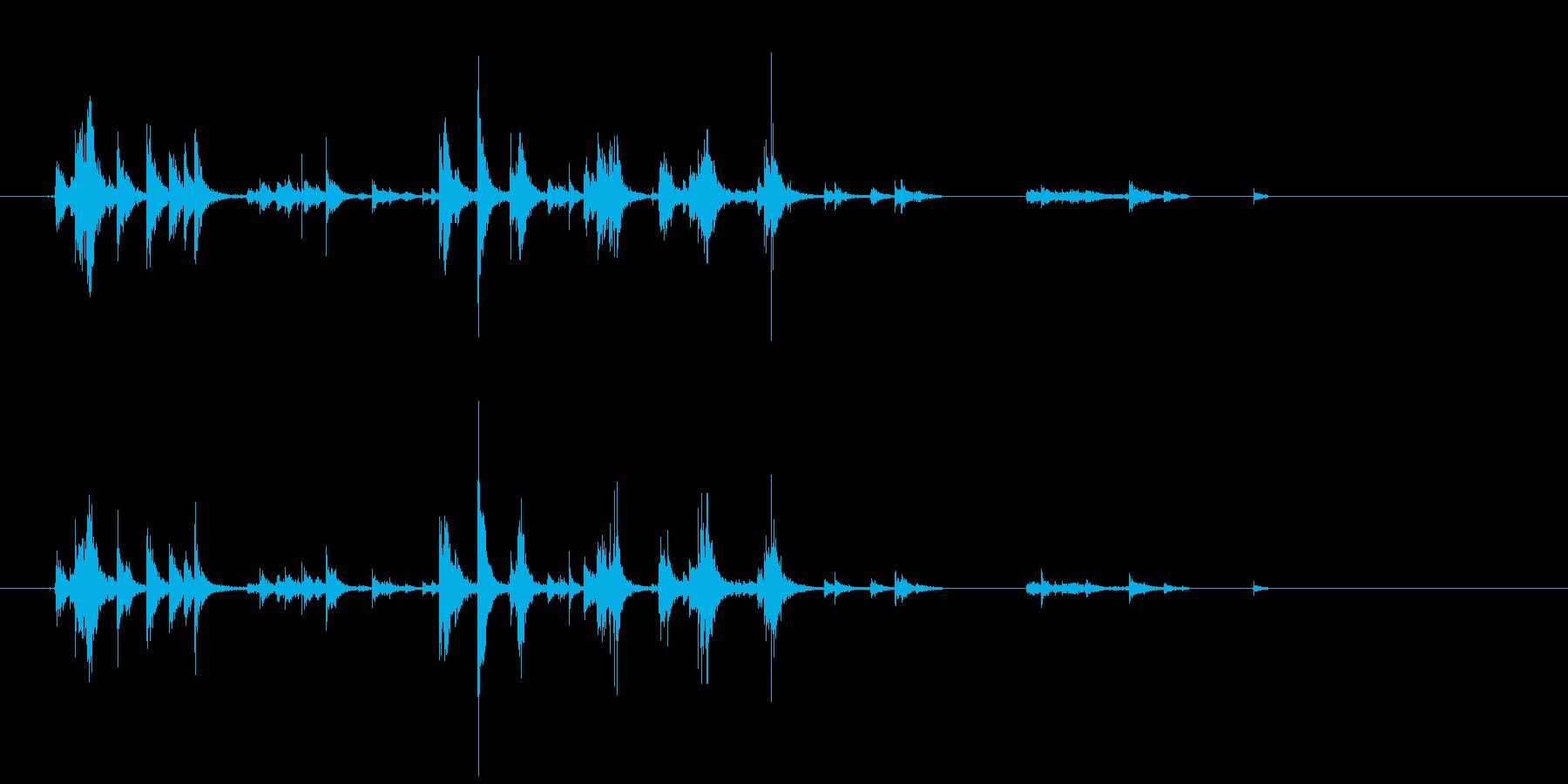 アルミホイルを触る音の再生済みの波形