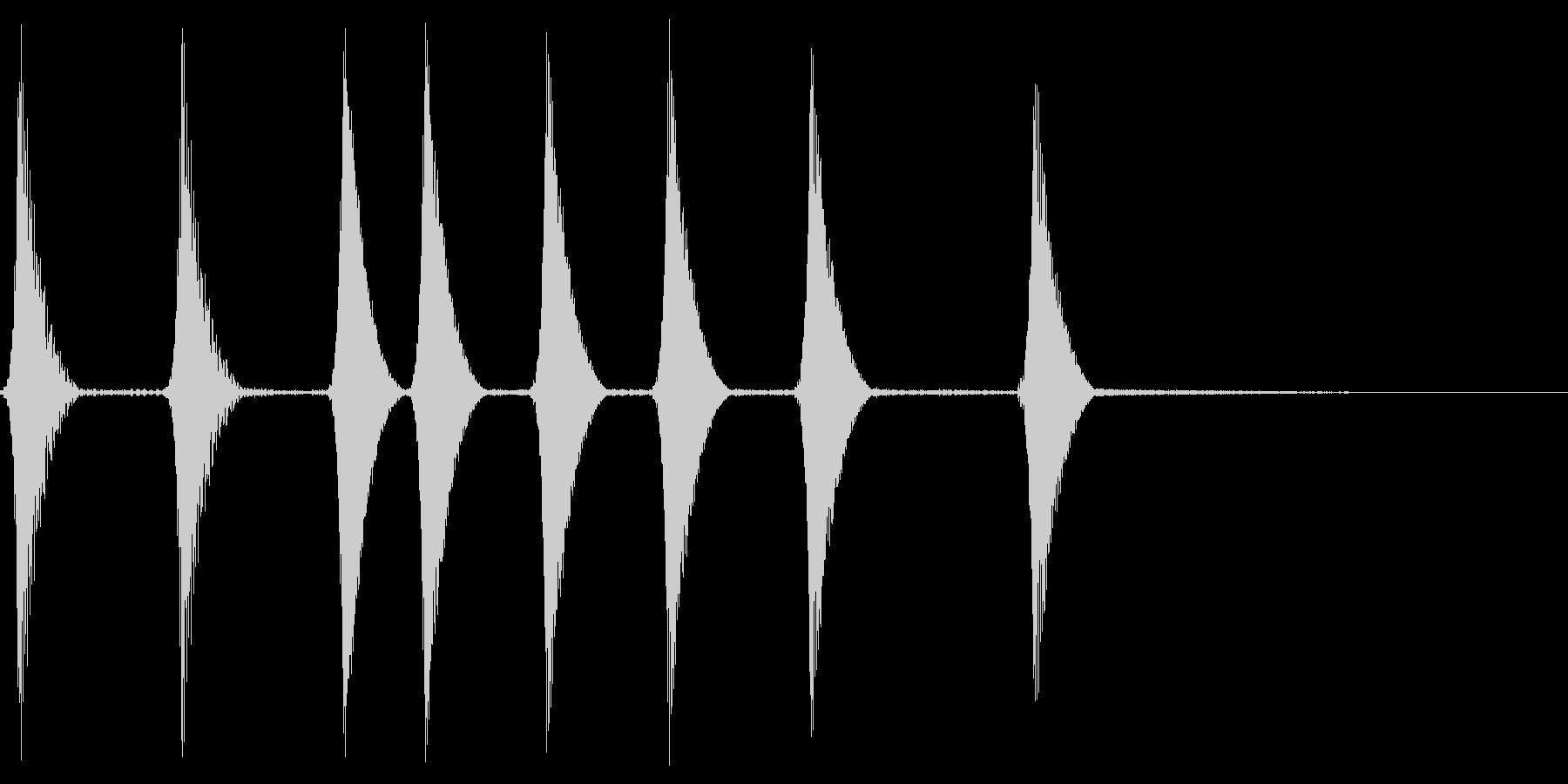 コロコロ。場面転換・めくる音(下降)の未再生の波形