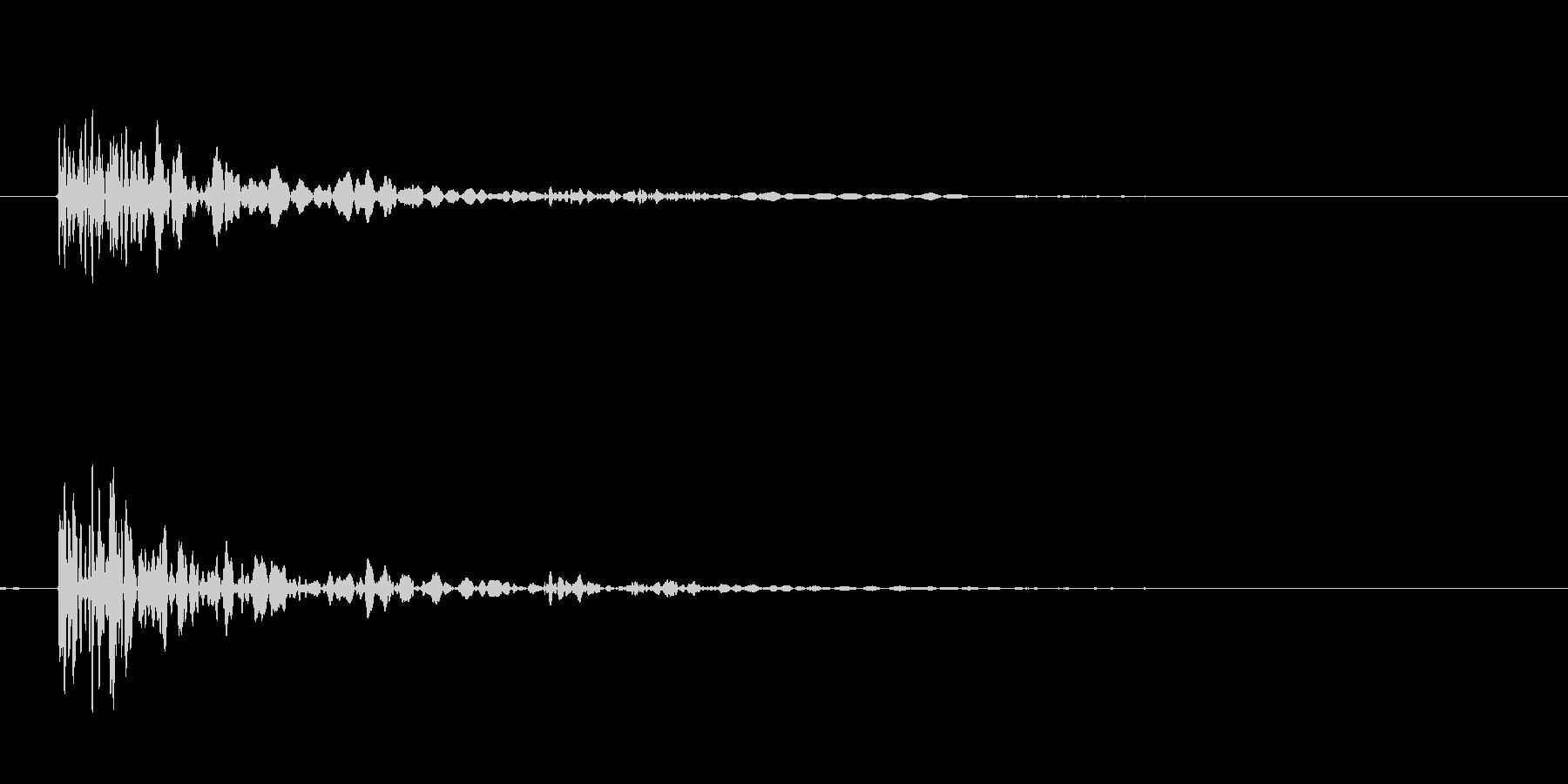クローゼット バタンの未再生の波形