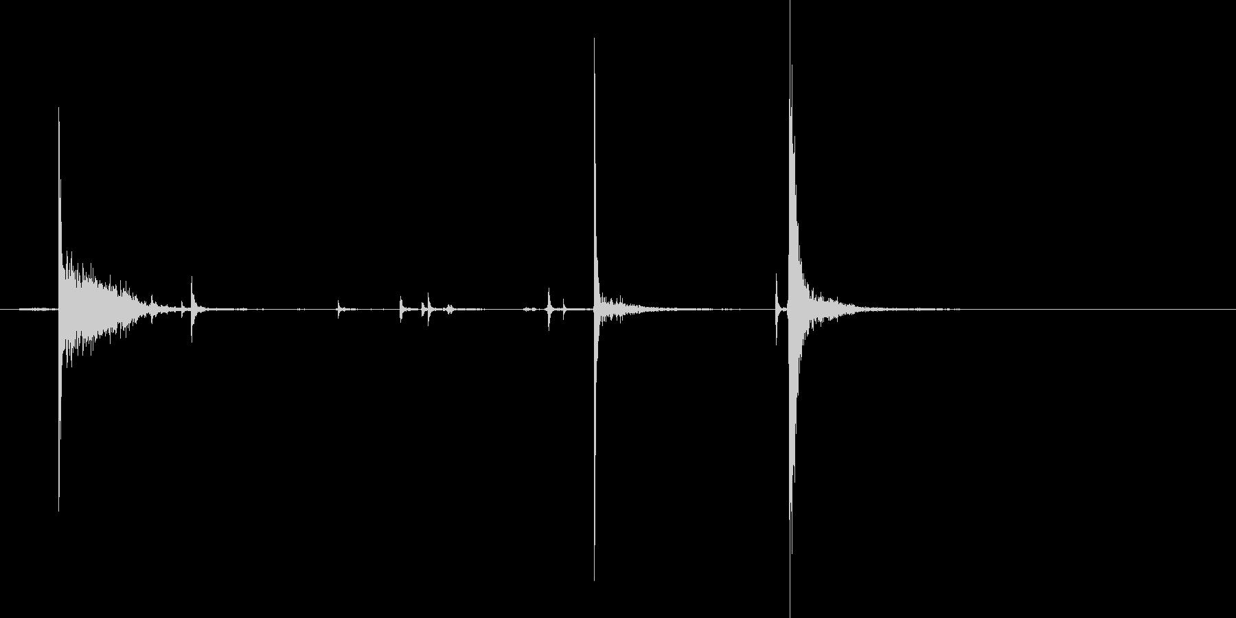 缶ジュースを開けるプシュッという音の未再生の波形