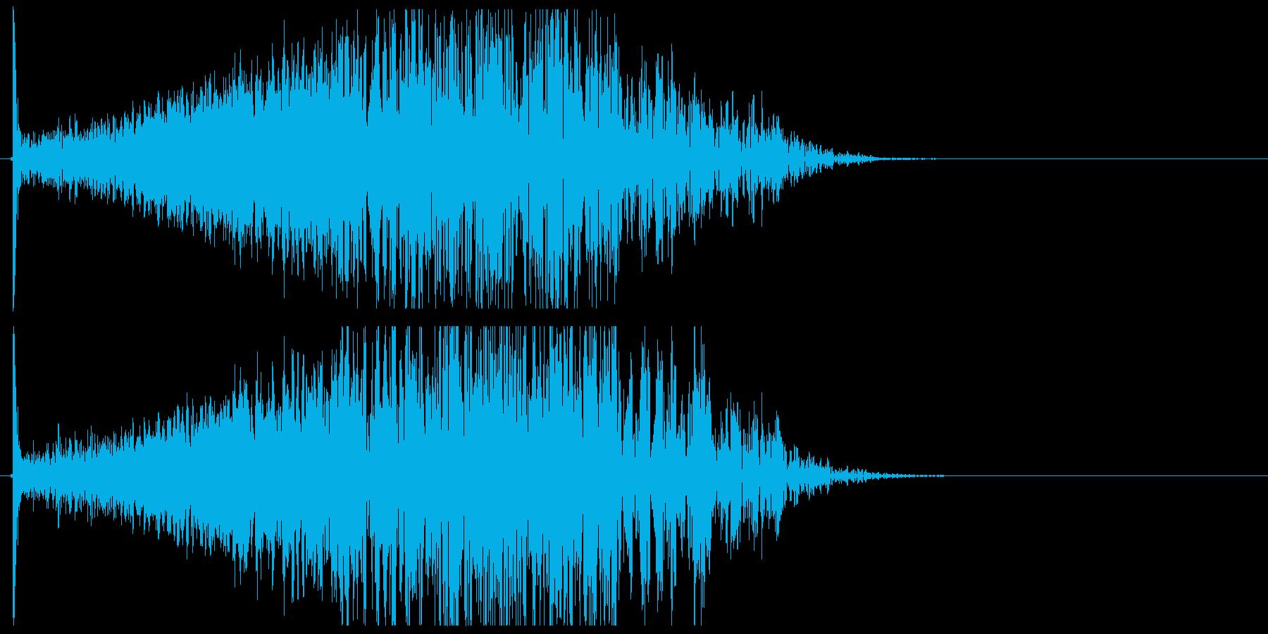 巨大な爆発と衝撃波の再生済みの波形