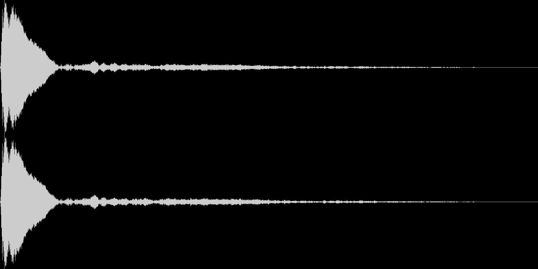 タップ、クリック(ピィーン)の未再生の波形