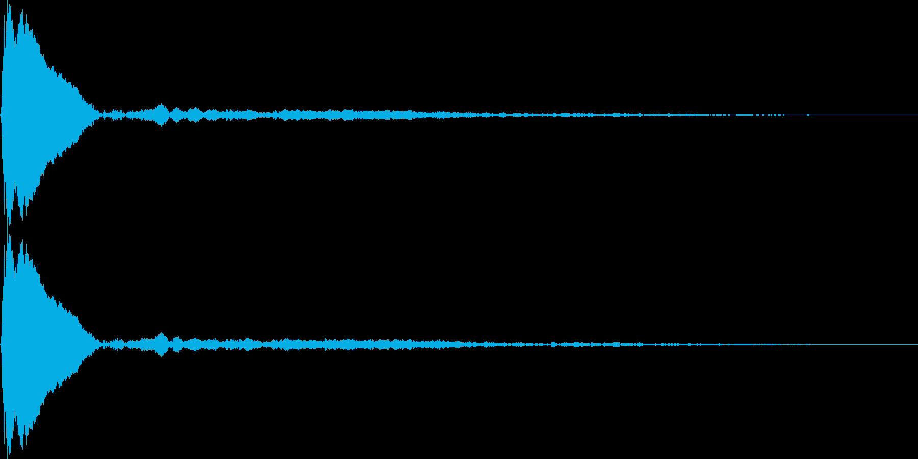 タップ、クリック(ピィーン)の再生済みの波形