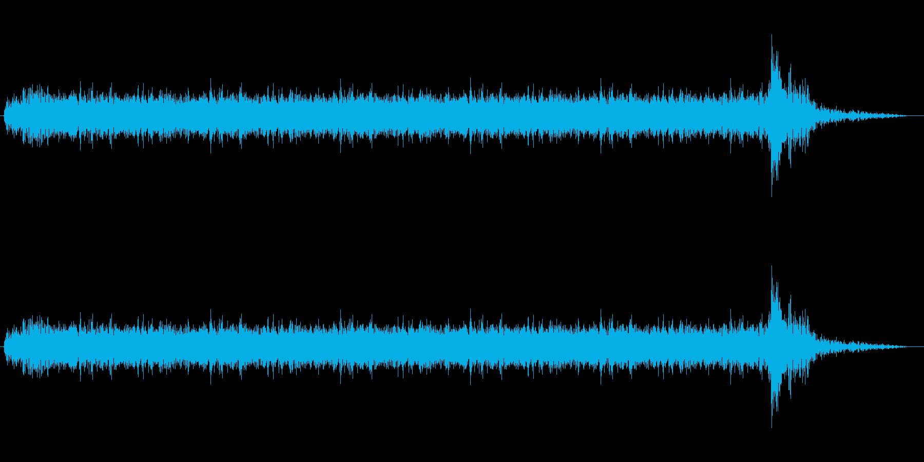 約5秒のドラムロールの後ドン!の再生済みの波形