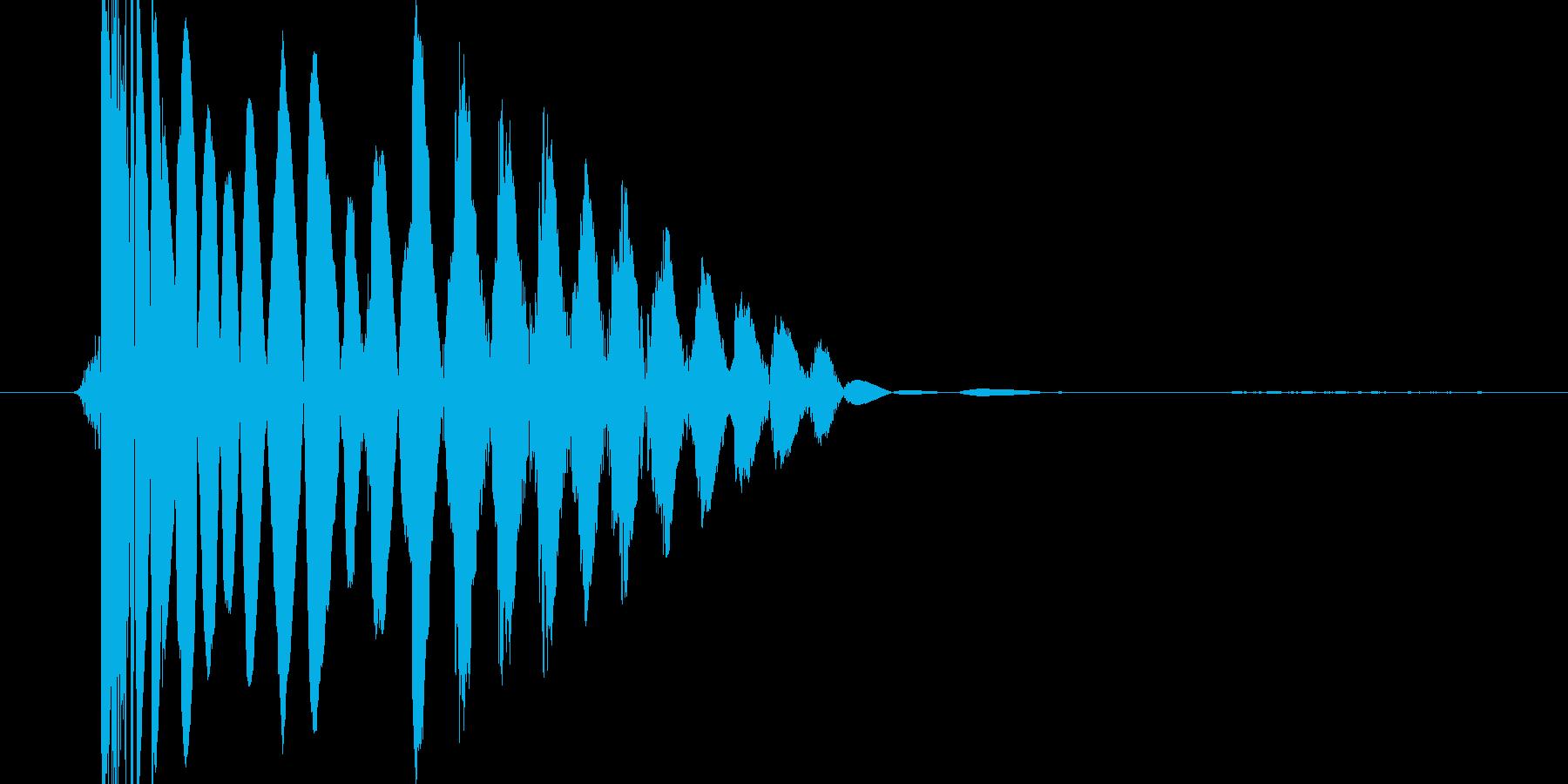 ドスっという衝撃音の再生済みの波形