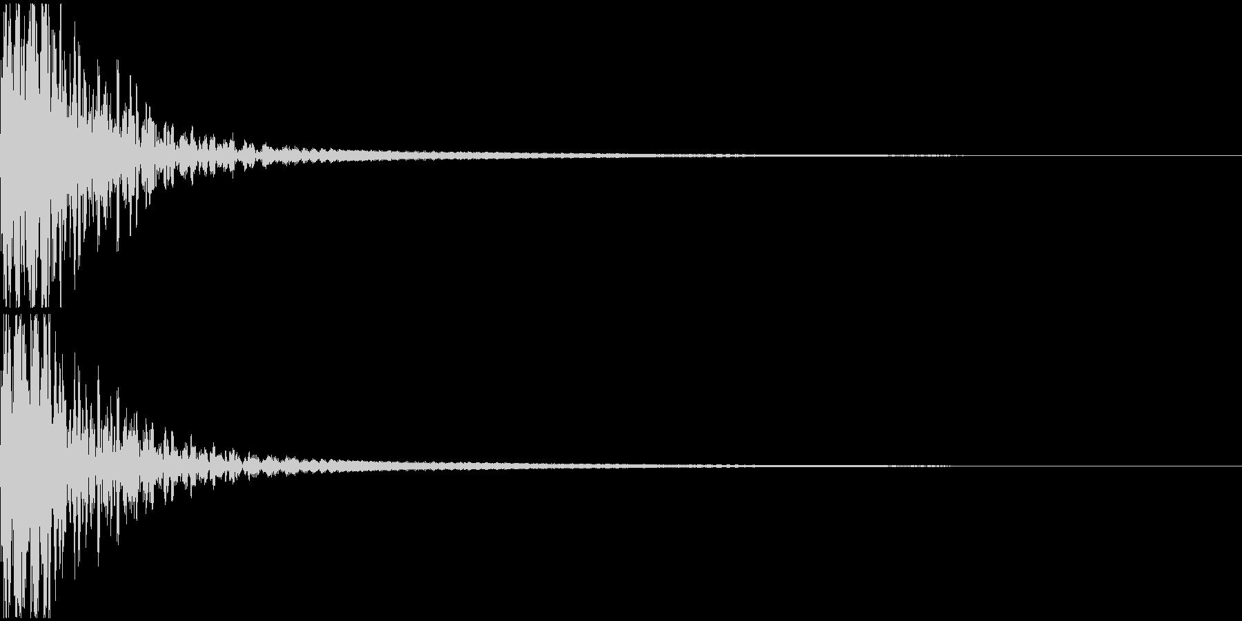 低音の響く爆発音の未再生の波形