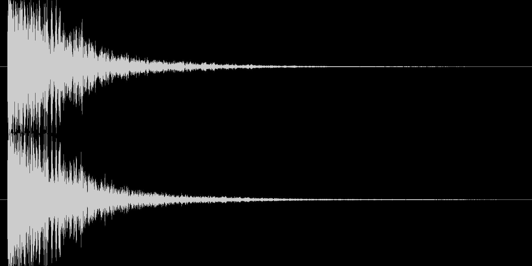 アタック音後にチリが舞うような余韻の未再生の波形