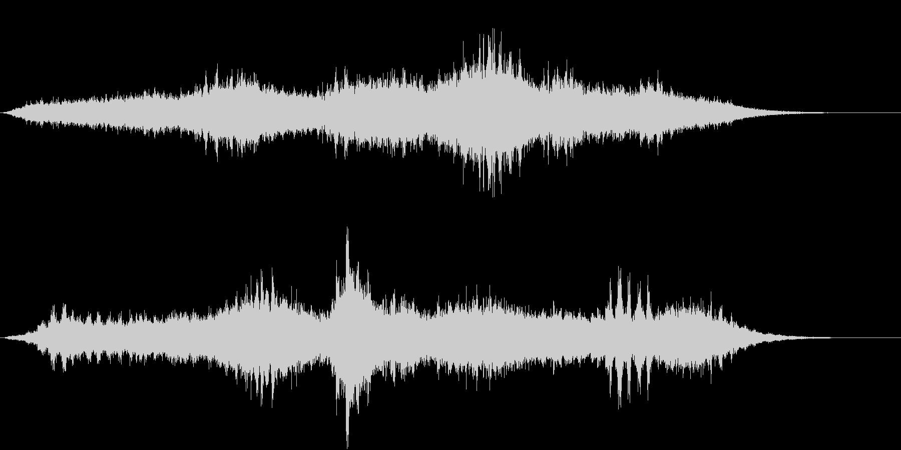 シンセによる怪しげな虫の音の大合唱の未再生の波形
