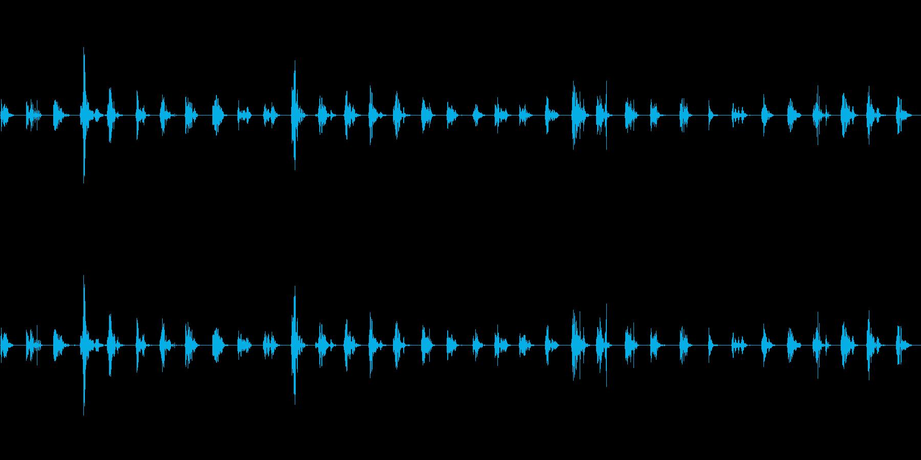 畳の上を歩く足音の再生済みの波形