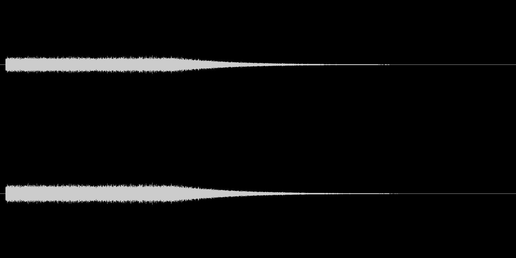 ザーザー降りの雨の音の未再生の波形