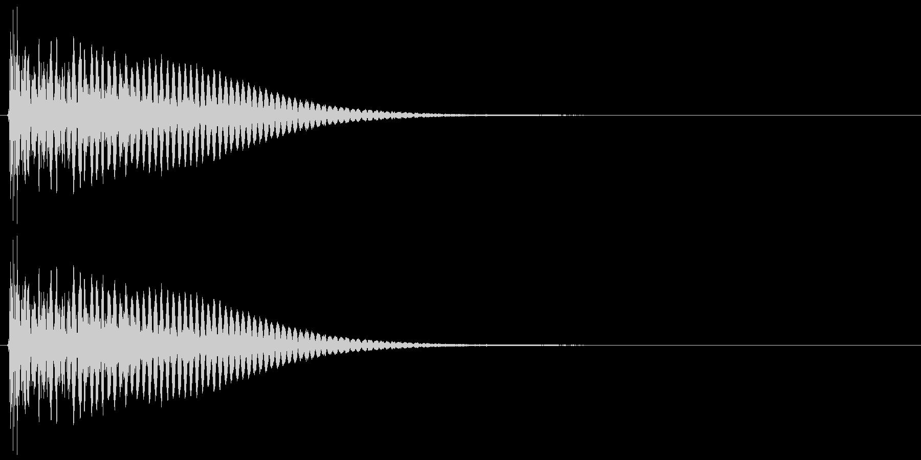 ドシューン、ブシューン 爆発、破裂音の未再生の波形